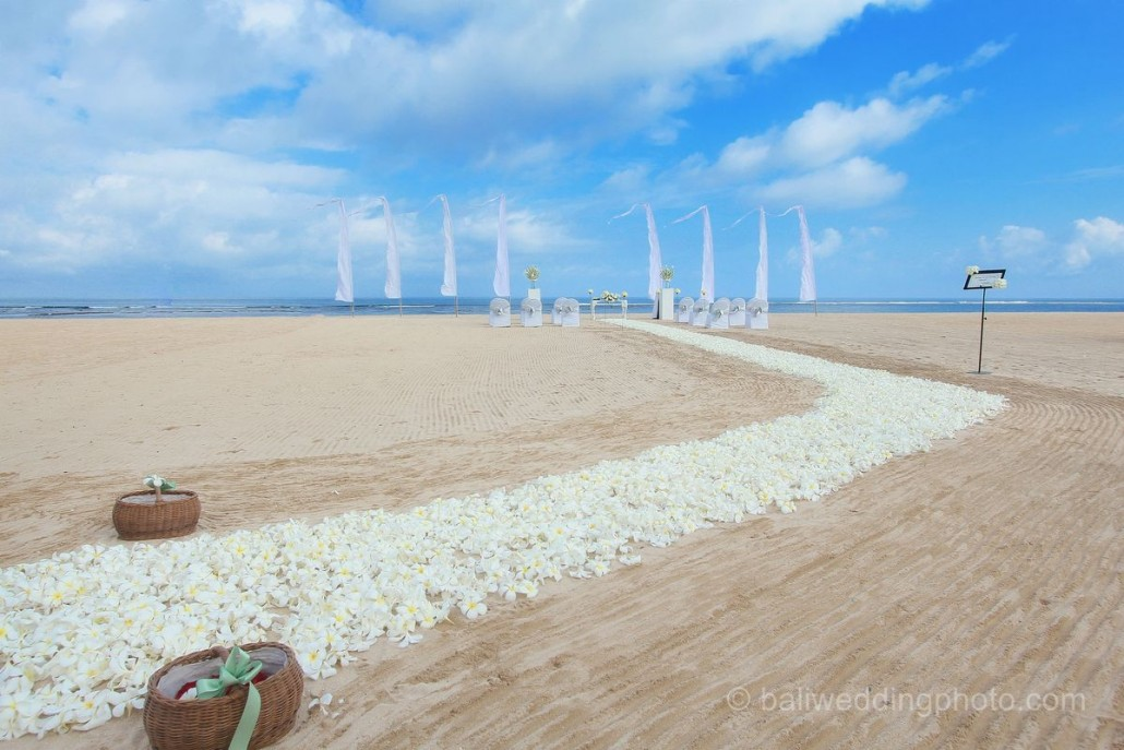 beach wedding bali