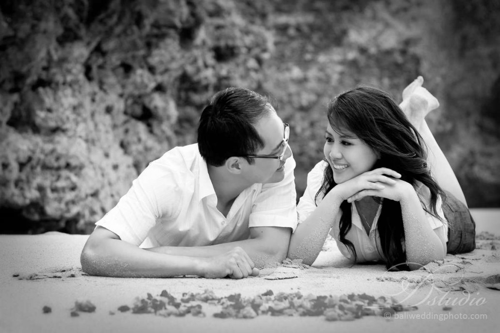 bali engagement pictures
