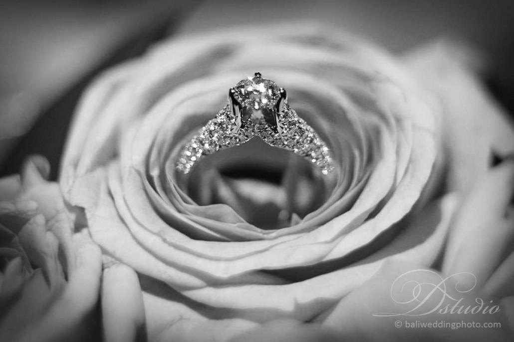 wedding anniversary rings